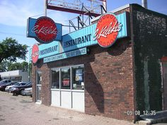 Kelekis restaurant in the North End, Winnipeg YUMMY! Internet Jobs, Work From Home Moms, Places Ive Been, Old Things, Housewife, Canada, Neon Signs, Hotel Packages, Viscount
