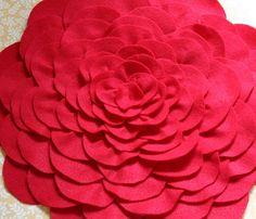 DIY Felt Flower Pillow Tutorial