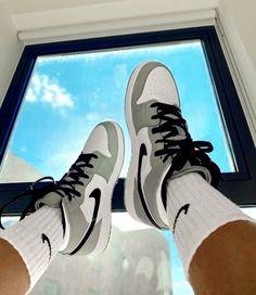 Zapatillas Nike Jordan, Tenis Nike Air, Moda Sneakers, Cute Sneakers, Sneakers Mode, Jordan Shoes Girls, Girls Shoes, Shoes Women, Souliers Nike