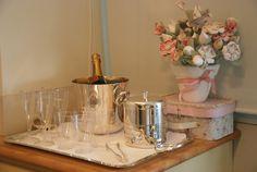 Mesa do champanhe.