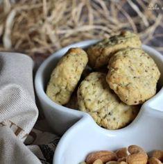 Biscuits sablés à la moutarde & aux 6 graines • Recette de Lolo et sa tambouille Bon Ap, Lolo, Cookies, Desserts, Stove Top Grill, Parchment Paper Baking, Spritz Cookies, Recipe, Seeds