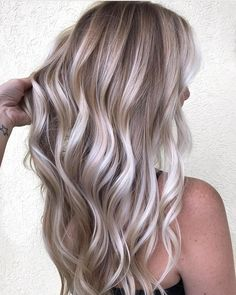"4,319 Likes, 28 Comments - Hair Makeup Nails Blogger (@hotonbeauty) on Instagram: "" Icy Blond-shell by @kellymassiashair ❄️ #hotonbeauty . . . . #icyblonde #blondebombshell…"""