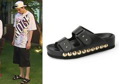 """Lee Dong-Wook 이동욱 on """"Roommate"""" Episode 10.  Suecomma Bonnie Spike-G Sandals #Roommate 룸메이트 #LeeDongWook"""