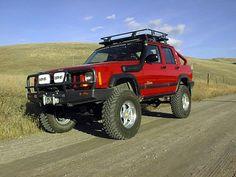 Jeep Cherokee Xj, Jeep Xj, Off Road Truck Accessories, Best Suv, Cool Jeeps, Compact Suv, Jeep Stuff, 4x4 Trucks, Jeep Life