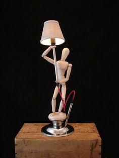 Upcycled Artist Mannikin Table Lamp with Dimmer op Etsy, 142,20 €