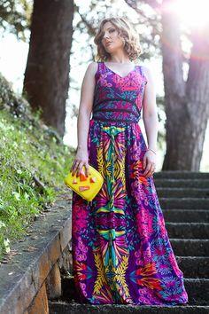 Bright coloured maxi dress and metallic heels (Fashion Blogger style)