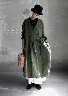 BerryStyle: Joie de Vivre Italy linen vintage processing dyeing Cache-coeur dress - Purchase now to accumulate reedemable points! Modest Fashion, Fashion Outfits, Womens Fashion, Bohemian Style Clothing, Natural Clothing, Layered Fashion, Retro Outfits, Retro Dress, Comfortable Outfits