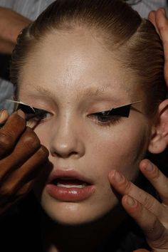 Origami Eye Lashes - Gareth Pugh Goes for Geometric Makeup for Spring/Summer 09 (GALLERY)