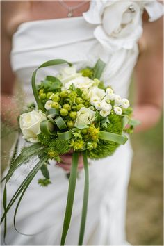 Green white wedding bouquet   Image by Pixies in the Cellar, read more http://www.frenchweddingstyle.com/dordogne-valley-wedding/