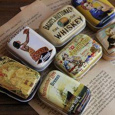Pas cher Aibei   Zakka Mini Tin Box1PC Vintage rétro petite métalliques boîtes boîte de rangement organisateur SD pilule de bonbons accessoires de la boîte 5.5 * 4 * 2.5 cm, Acheter  Boîtes de Rangement de qualité directement des fournisseurs de Chine:    Liste d'options de produit    Remarque: les informations ci-dessous est pour référence seulement.  S'il vous