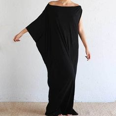 Its one of those black dresses that suits all figures. Beautiful with flats in the day or dress it up with heels at night. This will be one of your favourites. To shop now, hit the link in our profile or search 'Black Maxi dress' on dtll.com.au #dtll #do