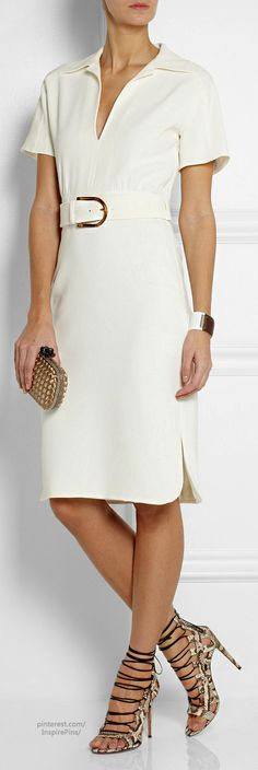 Dress and accessories - not shoes Gucci. Classy Outfits, Beautiful Outfits, Cool Outfits, Mature Fashion, Passion For Fashion, Little White Dresses, Crepe Dress, Look Chic, White Fashion