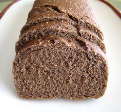 O pão de Centeio é muito nutritivo e trás grandes benefícios, pois suas fibras ajudam a absorver o excesso de gordura. Receita de Pão de Centeio com Aveia