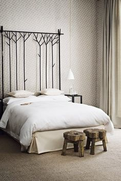 High headboard for a tall ceiling - Bedroom Decorating Ideas – Design (houseandgarden.co.uk)