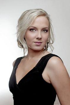 Carla van der Merwe better known as Petro from Laan - Photo by Phillip Rabie Disney Channel, South Africa, Celebs, Pictures, Photography, Beauty, Celebrities, Photos, Photograph
