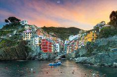 Riomaggiore, La Spezia, Italy (by Rilind H)