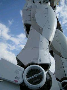 The age of robots is approaching. Humanoid Robot, Gundam Wallpapers, Gundam Mobile Suit, Robot Girl, Gundam Art, Msv, The Future Is Now, Super Robot, Mechanical Design