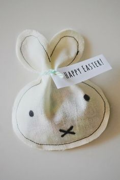 Poppytalk: 7 Spring-Inspired Weekend Projects / Miffy Inspired Easter Treat Bags From Everything Emily