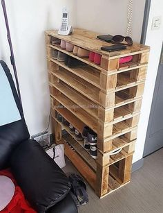 Meuble Chaussure Palette : Unique Pallets Wooden Reusing Ideas And Plans pallets made shoe rack Sharing is caring, don't forget to share !