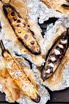 Easy camp cooking: Campfire Banana Boat dessert, cooked right on the grill! Camping Desserts, Camping Meals, Kids Meals, Camping Recipes, Camping Stuff, Family Camping, Campfire Banana Boats, Graham, Easy Camp