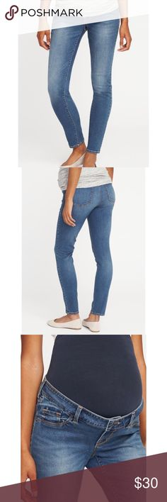 OLD NAVY Maternity Rockstar Skinny Jeans Smooth, seamless full panel, plus a real button-front waistband, just like your regular pair. Faux fly. Decorative, riveted scoop faux-pockets and coin pocket in front; functional patch pockets in back. Soft, medium-wash denim, with fading, contrast topstitching and comfortable stretch. Great for the 2nd & 3rd trimesters. 71% cotton, 20% polyester, 8% rayon, 1% spandex, with nylon/spandex panel. Hardly worn, under 5 times during my pregnancy! Always…