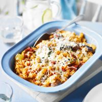 Spicy meatball pasta bake