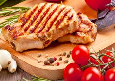 Learn how to make Juicy Juice® Apple Pork Chops [Ad] . MyRecipes has tested recipes and videos to help you be a better cook Healthy Juice Recipes, Healthy Food Options, Healthy Juices, Smoothie Recipes, Vitamins In Carrots, Fun Cooking, Cooking Recipes, Carrot Juice Benefits, Apple Pork Chops