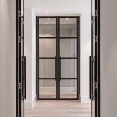 Chassis aluminium, steel windows, windows and doors, hallway inspiration, b Steel Windows, Steel Doors, Windows And Doors, Glass Barn Doors, Glass Door, Bureau Design, Door Design, House Design, Windows