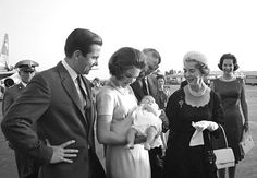 scanpix:  King Constantine and Queen Anne-Marie holding baby Alexia meet King Frederik, Queen Ingrid and Princess Benedikte at the airport, September 1965