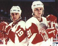 Steve Yzerman And Sergei Fedorov Detroit Red Wings Detroit Hockey, Detroit Sports, Hockey Teams, Ice Hockey, Sports Teams, Rangers Hockey, Hockey Logos, Hockey Mom, Detroit Red Wings