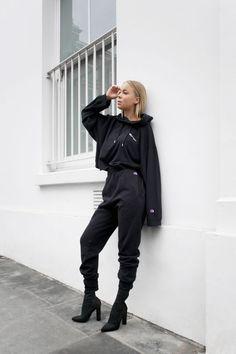 Weekday X Champion. - Clothing World K Fashion, Minimal Fashion, Urban Fashion, Winter Fashion, Fashion Outfits, Womens Fashion, Crazy Outfits, Winter Outfits, Cute Outfits