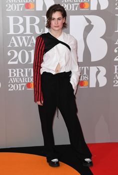Christine and the Queens aux Brit Awards 2017