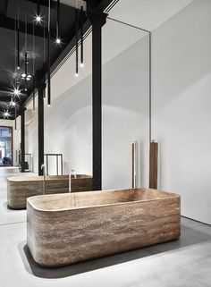 Cave bathtub designed by Emanuel Gargano y Marco Fagioli
