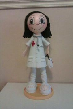 Fofucha doctora. Con su fonendoscopio y maletin