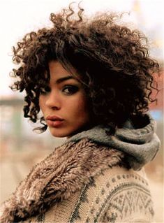 25 trending hairstyles ideas for short curly hair 2020 10 Curly Hair With Bangs, Short Curly Hair, Curly Hair Styles, Medium Curly, Updo Curly, 3c Hair, Hair Perms, Perm Hair, Winter Hairstyles