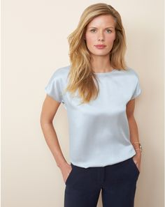 The silk satin t-shirt – A fluid shape in stunning silk satin that is super easy to wear Source by Blouse Sexy, Blouse Outfit, Silk T Shirt, Satin Shirt, Satin Blouses, Silk Top, Silk Satin, Blouses For Women, How To Wear