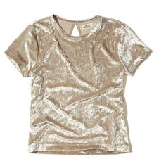 Hollister Velvet Baby T-Shirt (€24) ❤ liked on Polyvore featuring tops, t-shirts, cream, cream crop top, cream t shirt, crop top, brown crop top and slim fit t shirts