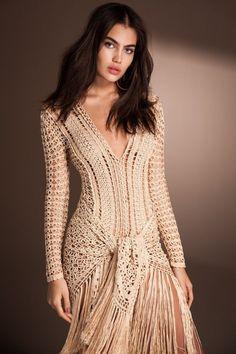 "Photo from album ""Alzira Vieira"" on Yandex. Crochet Shirt, Knit Crochet, Comfy Travel Outfit, Tie Styles, Crochet Designs, Crochet Clothes, Elegant Dresses, Dress Skirt, Ideias Fashion"