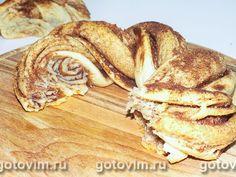 Рецепт эстонского кренделя с корицей из дрожжевого теста. Для прослойки корицу смешивают с сахаром и сливочным маслом и наносят тонким слоем на раскатанное тесто. Готовая плетёнка золотисто-коричневого цвета с умопомрачительным ароматом.