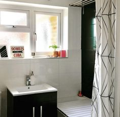 My top 5 bathroom sinks for wheelchair users – Wheel Chic Home Ada Bathroom, Handicap Bathroom, Open Bathroom, Brown Bathroom, Bathrooms, Bathroom Ideas, Bath Ideas, Small Bathtub, Small Toilet