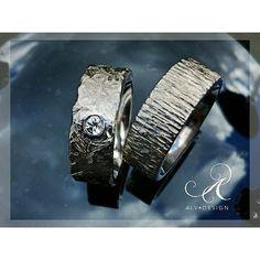 FROST med en vit top wesselton diamant 💎 och GLÖD i en vacker kombination. Silverringar från Alvdesign.se Arbete och design Kenneth Lindström  #silverring #diamant #förlovningsringar #bröllop #handcrafted ##engagementring #weddingring #jewelry #Alvdesign