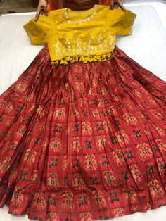 Kids Dress Wear, Kids Gown, Dresses Kids Girl, Kids Blouse Designs, Tunic Designs, Sharara, Anarkali, Frocks And Gowns, Gyr