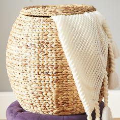 Beachcrest Home Hookton Wicker Storage Basket with Lid