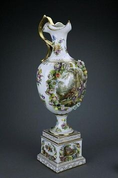 ANTIQUE 19TH CENTURY DRESDEN PORCELAIN EWER
