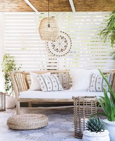 Weekends are made for rest and relaxation. Grab a book, a beverage of choice and put your feet up, you deserve it! Our Teak day bed last in stock! Uniqwa Phillipi pendant light and our tribal wall platter all online @magnolia_lane_ We ship Australia wide! Message us, we're here to help Kate MLx and Styling @villastyling