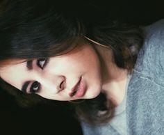 """Mariana Monti no Instagram: """"Maquiagem que fiz ontem e tive que compartilhar aqui porque amei muito! Cat eyes e batom mude é um look que não tem erro e fica lindo…"""" Makeup Jobs, Look, Instagram, Jewelry, Lipstick, Mariana, Make Up, Jewlery, Bijoux"""