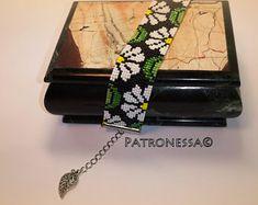 Handmade beaded jewelry bead loom bracelets от Patronessa на Etsy Handmade Beaded Jewelry, Unique Jewelry, Bead Loom Bracelets, Loom Beading, Shoulder Bag, Beads, Trending Outfits, Handmade Gifts, Etsy