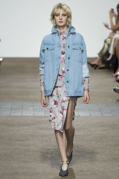 Topshop Unique Spring 2017 Ready-to-Wear Fashion Show - Celine Bouly