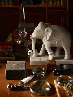 Love these marble elephants - quick and easy way to add British colonial flair to a house West Indies Style, British West Indies, British Colonial Decor, French Colonial, India Jane, India Decor, Campaign Furniture, Fandoms, Textiles