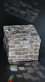 Pomysły plastyczne dla każdego DiY - Joanna Wajdenfeld: Pudełeczka oklejane lustrzaną mozaiką